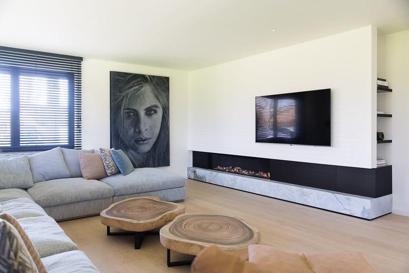Modern interieur met natuurlijke materialen